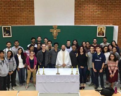Santa Missa é realizada na Universidade de Brasília